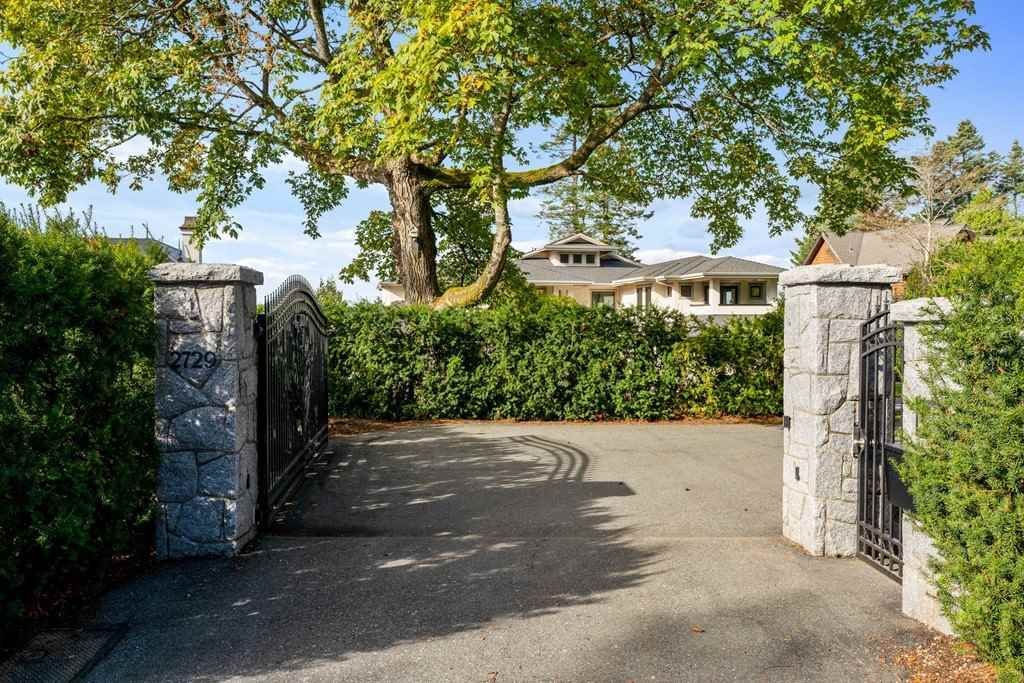 Main Photo: 2729 CRESCENT DRIVE in Surrey: Crescent Bch Ocean Pk. House for sale (South Surrey White Rock)  : MLS®# R2507138