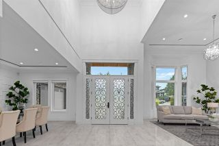 """Photo 3: 817 COTTONWOOD Avenue in Coquitlam: Coquitlam West House for sale in """"Central Coquitlam"""" : MLS®# R2593554"""