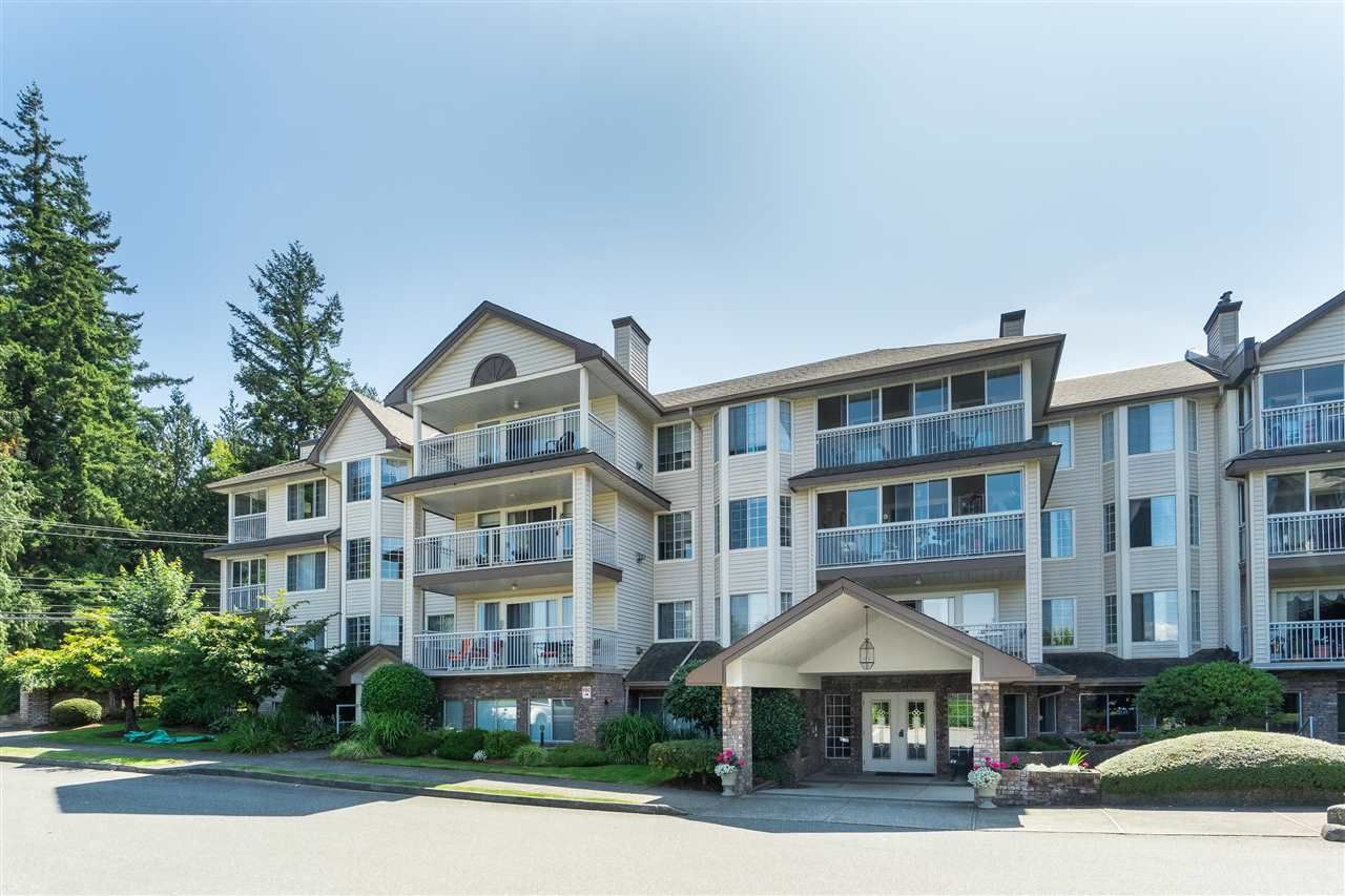 """Photo 1: Photos: 201 2491 GLADWIN Road in Abbotsford: Central Abbotsford Condo for sale in """"Lakewood Gardens"""" : MLS®# R2546752"""