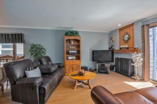 Photo 14: 23 Woodglen Crescent SW in Calgary: Woodbine Detached for sale : MLS®# A1124868