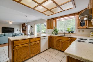 """Photo 9: 1720 130 Street in Surrey: Crescent Bch Ocean Pk. House for sale in """"SUMMER HILL"""" (South Surrey White Rock)  : MLS®# R2405709"""