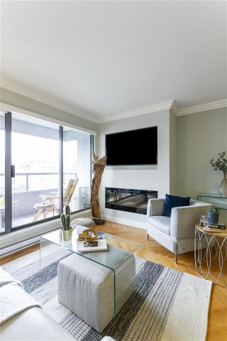 """Photo 5: 1208 1060 ALBERNI Street in Vancouver: West End VW Condo for sale in """"The Carlyle"""" (Vancouver West)  : MLS®# R2576402"""