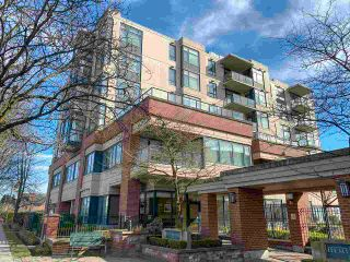 """Photo 1: 202 538 W 45TH Avenue in Vancouver: Oakridge VW Condo for sale in """"The Hemingway"""" (Vancouver West)  : MLS®# R2562655"""