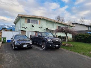 """Photo 2: 9254 JAMES Street in Chilliwack: Chilliwack E Young-Yale House for sale in """"E OF YOUNG N OR TRACKS"""" : MLS®# R2534634"""