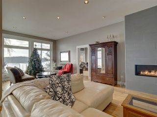 Photo 8: 6169 SUNSHINE COAST Highway in Sechelt: Sechelt District House for sale (Sunshine Coast)  : MLS®# R2523526
