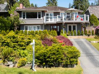 Photo 2: 440 SOMERSET Street in North Vancouver: Upper Lonsdale House for sale : MLS®# R2583575