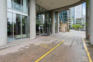 Photo 3: 702 588 BROUGHTON STREET in Vancouver: Coal Harbour Condo for sale (Vancouver West)  : MLS®# R2575950