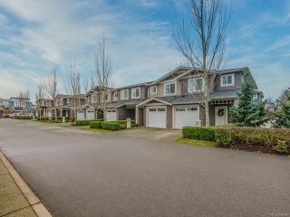 Photo 1: 804 1675 Crescent View Dr in NANAIMO: Na Central Nanaimo Row/Townhouse for sale (Nanaimo)  : MLS®# 830986