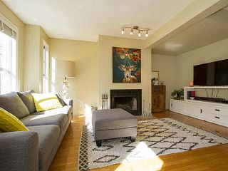 """Photo 1: 5 877 W 7TH Avenue in Vancouver: Fairview VW Townhouse for sale in """"Emerald Court"""" (Vancouver West)  : MLS®# V1119210"""