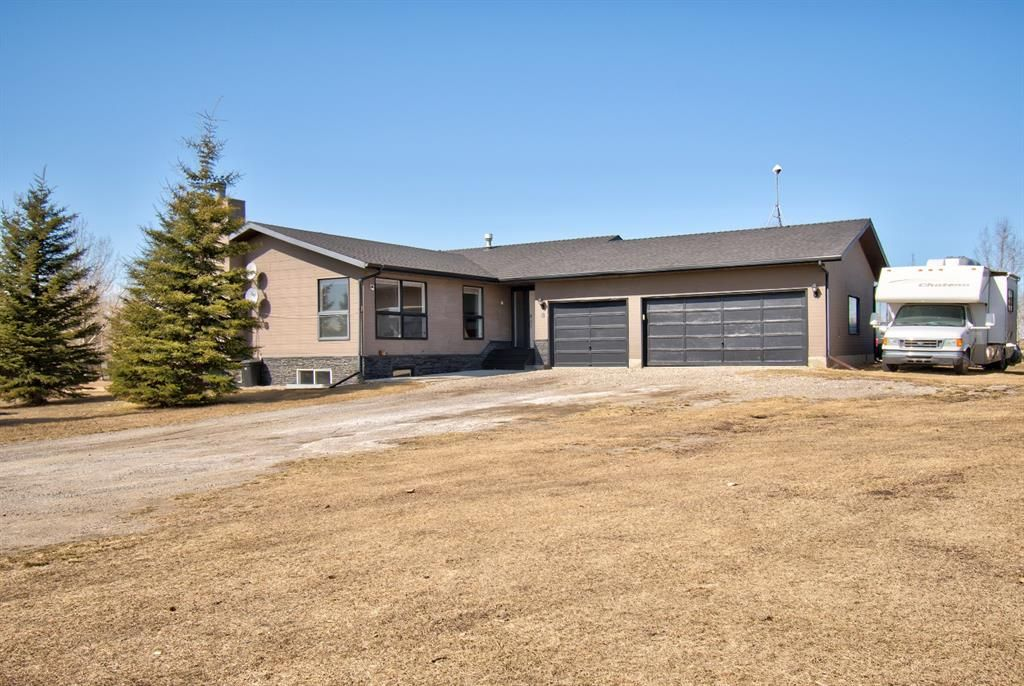 Main Photo: 8 Pleasant Range Place in Rural Rocky View County: Rural Rocky View MD Detached for sale : MLS®# A1087598