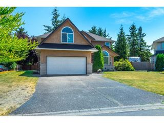 """Photo 3: 4670 221 Street in Langley: Murrayville House for sale in """"Upper Murrayville"""" : MLS®# R2601051"""