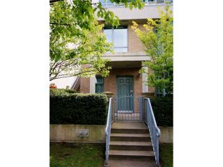 """Photo 1: TH1 1889 ROSSER Avenue in Burnaby: Brentwood Park Townhouse for sale in """"THE BUCHANAN"""" (Burnaby North)  : MLS®# V829881"""