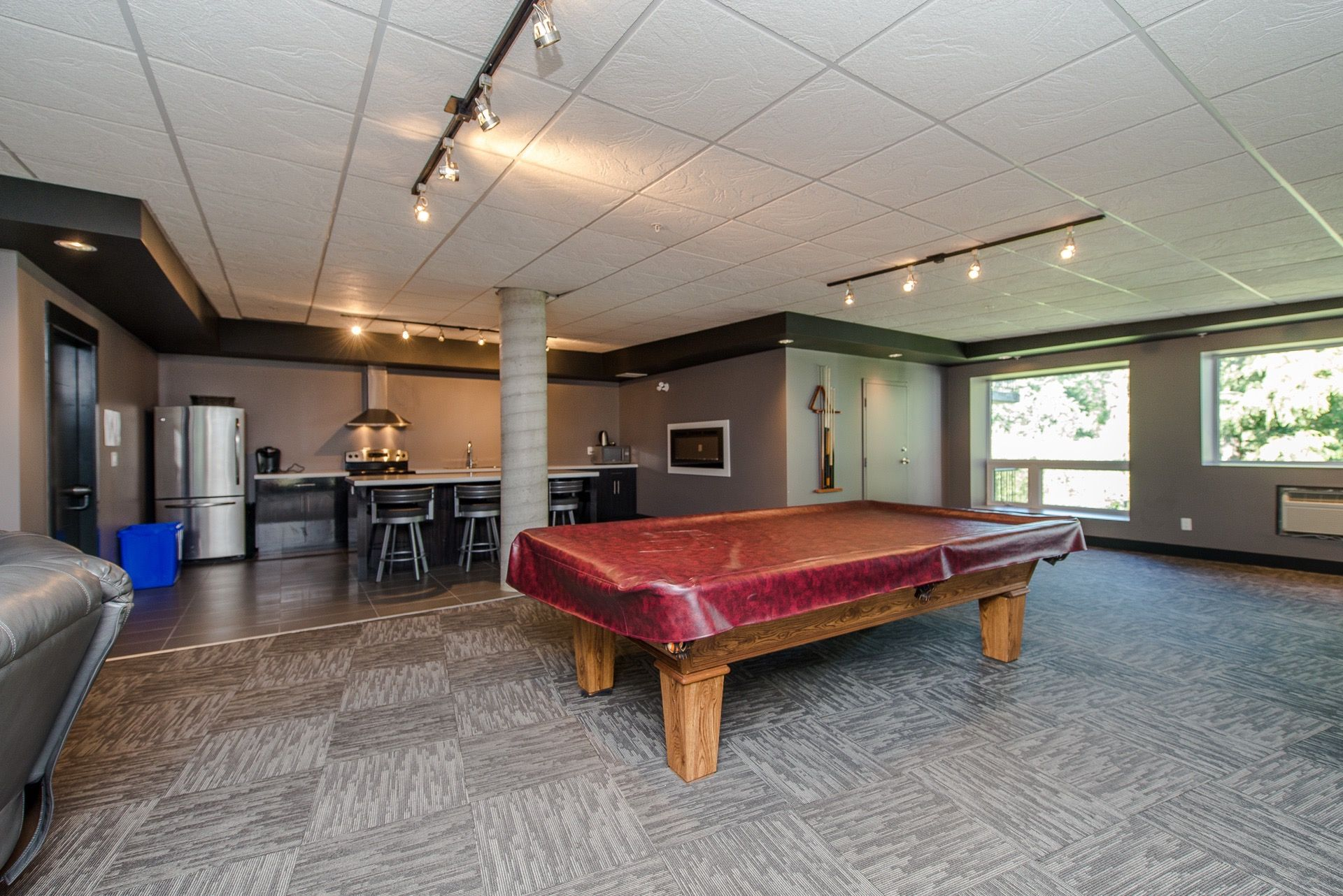 Photo 11: Photos: #209 2242 Whatcom Rd. in Abbotsford: Abbotsford East Condo for rent