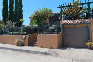 Photo 2: House for sale : 2 bedrooms : 1414 Edgemont St in San Diego