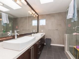 Photo 8: 1029 W 57TH Avenue in Vancouver: South Granville House for sale (Vancouver West)  : MLS®# R2151185