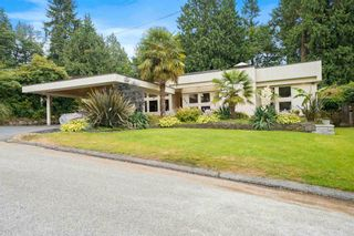 Photo 2: 662 ST. IVES Crescent in North Vancouver: Delbrook House for sale : MLS®# R2603801