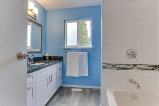 """Photo 33: 14907 SOUTHMERE Place in Surrey: Sunnyside Park Surrey House for sale in """"SOUTHMERE"""" (South Surrey White Rock)  : MLS®# R2468824"""