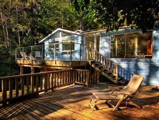 "Photo 1: 268 GORDON Road: Keats Island House for sale in ""Eastbourne Estates"" (Sunshine Coast)  : MLS®# R2536438"