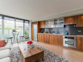 """Photo 10: 807 168 POWELL Street in Vancouver: Downtown VE Condo for sale in """"Smart"""" (Vancouver East)  : MLS®# R2587913"""