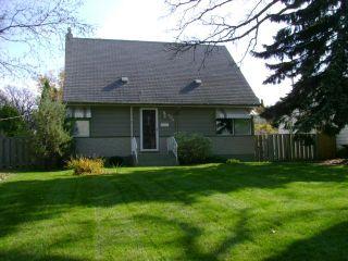 Photo 1: 339 DUFFIELD Street in WINNIPEG: St James Residential for sale (West Winnipeg)  : MLS®# 1020104