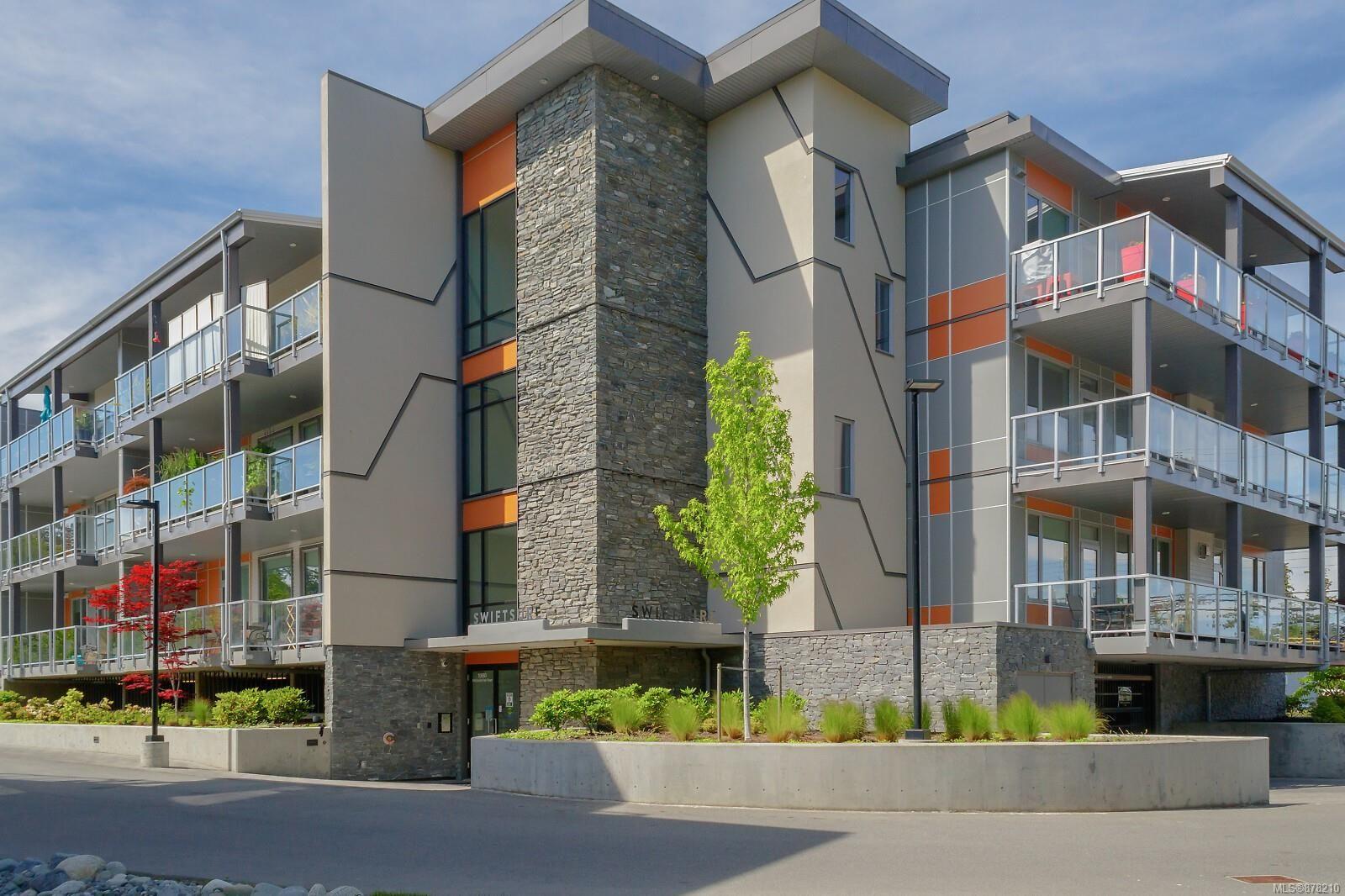 Main Photo: 301 10680 McDonald Park Rd in : NS McDonald Park Condo for sale (North Saanich)  : MLS®# 878210