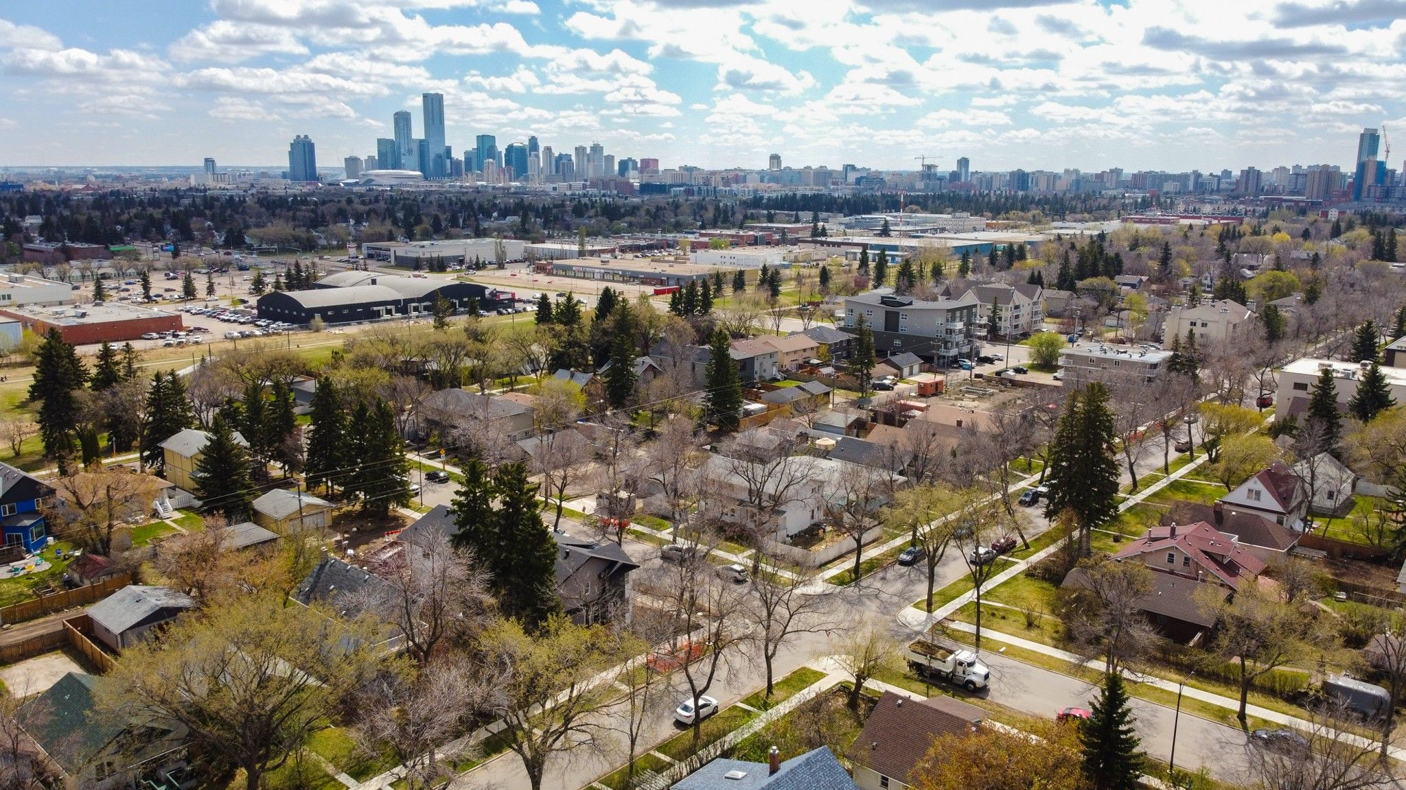 Main Photo: 12220 112 Avenue NW in Edmonton: Inglewood Multi-Family Commercial for sale : MLS®# E4243837