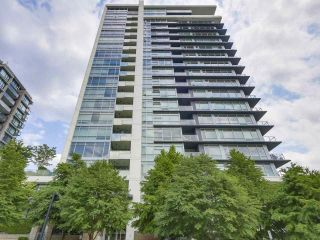 Photo 16: Luxury Living in Central Lonsdale!
