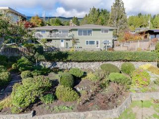Photo 2: 2550 QUEENS Avenue in West Vancouver: Queens House for sale : MLS®# R2591491