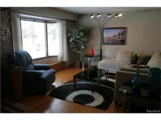 Photo 2: 616 Patricia Avenue in Winnipeg: Fort Richmond Residential for sale (1K)  : MLS®# 1705918