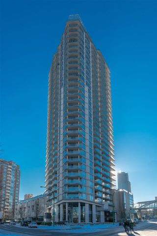 """Photo 1: 305 4808 HAZEL Street in Burnaby: Forest Glen BS Condo for sale in """"CENTREPOINT"""" (Burnaby South)  : MLS®# R2127405"""