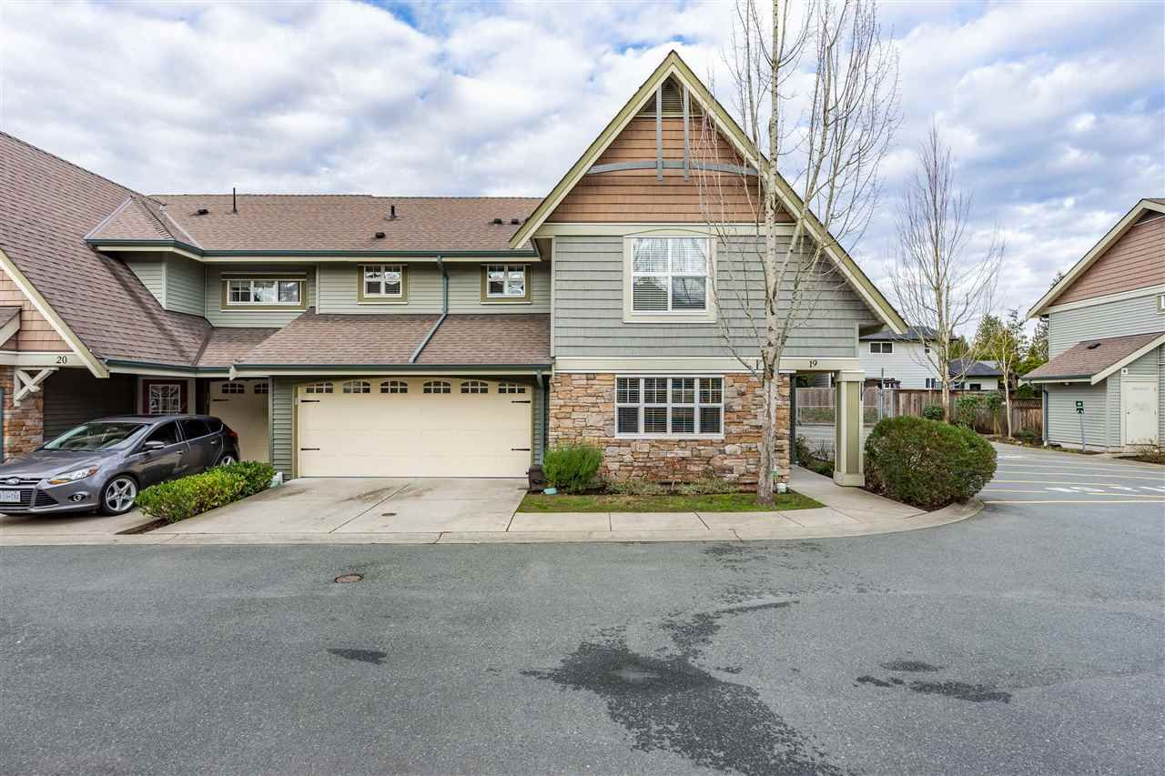 "Main Photo: 19 22977 116 Avenue in Maple Ridge: East Central Townhouse for sale in ""DUET"" : MLS®# R2528297"