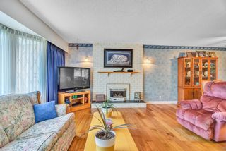"""Photo 5: 7444 BARMSTON Place in Delta: Nordel House for sale in """"Royal York"""" (N. Delta)  : MLS®# R2542398"""