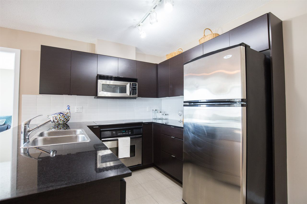 "Photo 3: Photos: 1002 4118 DAWSON Street in Burnaby: Brentwood Park Condo for sale in ""TANDEM TOWER 1"" (Burnaby North)  : MLS®# R2101410"
