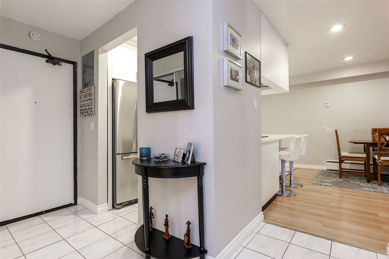"""Photo 17: Photos: 103 1484 CHARLES Street in Vancouver: Grandview VE Condo for sale in """"LANDMARK ARMS"""" (Vancouver East)  : MLS®# R2013401"""