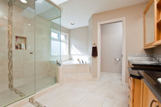 """Photo 17: 3179 ARROWSMITH Place in Coquitlam: Westwood Plateau House for sale in """"WESTWOOD PLATEAU"""" : MLS®# R2569928"""