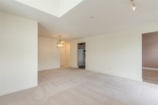 """Photo 5: 404 19131 FORD Road in Pitt Meadows: Central Meadows Condo for sale in """"WOODFORD MANOR"""" : MLS®# R2372445"""