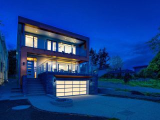 Photo 1: 1251 KENT STREET: White Rock House for sale (South Surrey White Rock)  : MLS®# R2562536