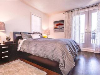 Photo 7: 1 31 Ted Reeve Drive in Toronto: East End-Danforth Condo for sale (Toronto E02)  : MLS®# E3090954