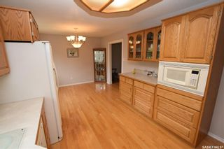 Photo 2: 413 112th Street West in Saskatoon: Sutherland Residential for sale : MLS®# SK864508