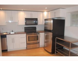 """Photo 9: 901 W 23RD Avenue in Vancouver: Cambie House for sale in """"DOUGLAS PARK"""" (Vancouver West)  : MLS®# V749791"""