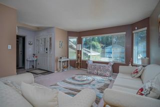 Photo 5: 19383 CUSICK Crescent in Pitt Meadows: Mid Meadows House for sale : MLS®# R2617633