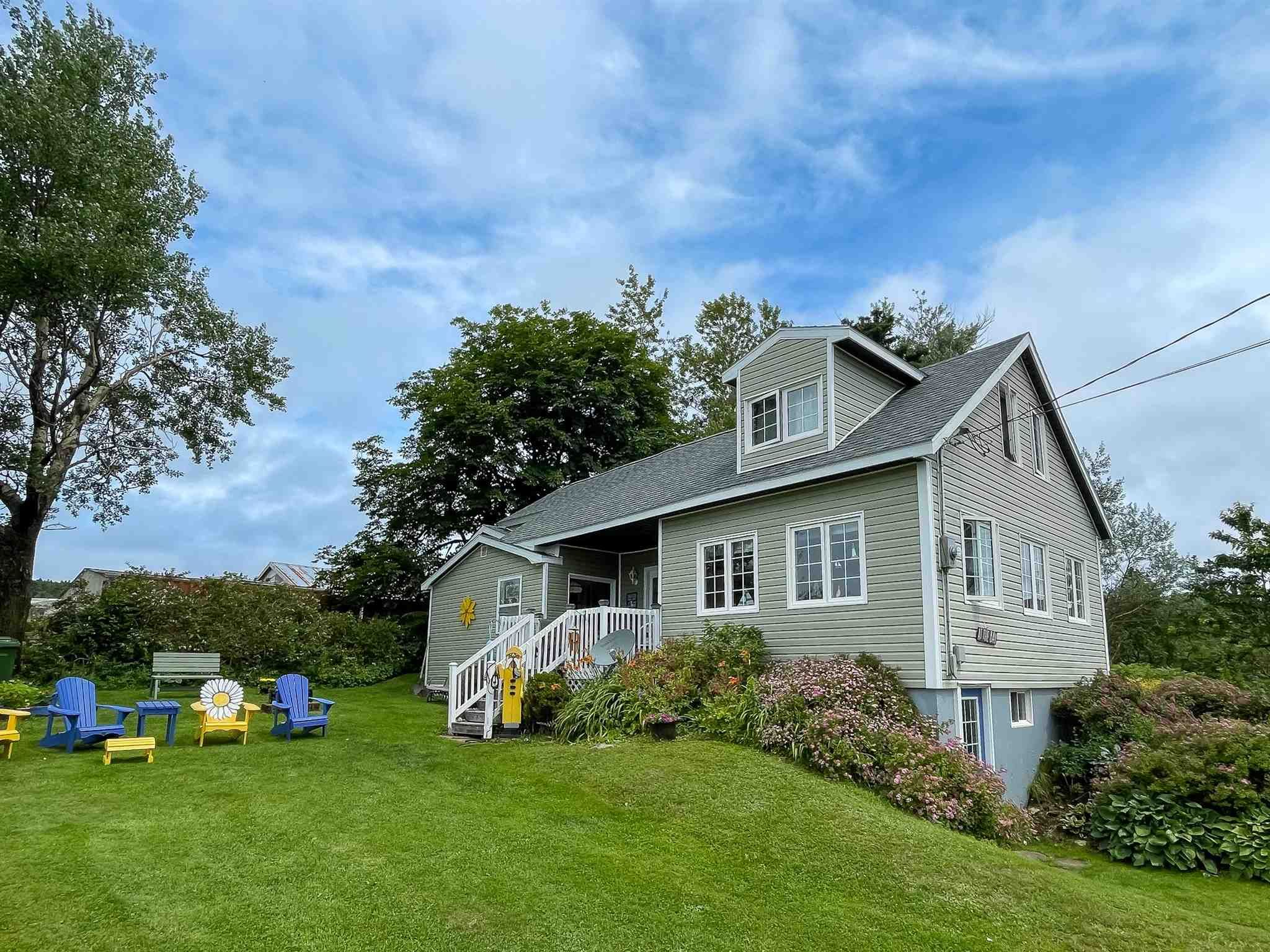 Main Photo: 1451 Cape Split Road in Scots Bay: 404-Kings County Residential for sale (Annapolis Valley)  : MLS®# 202118743