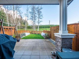 "Photo 3: 5978 OLDMILL Lane in Sechelt: Sechelt District Townhouse for sale in ""EDGEWATER"" (Sunshine Coast)  : MLS®# R2524151"