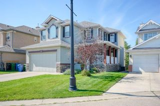 Photo 2: 323 Discovery Place SW in Calgary: Discovery Ridge Detached for sale : MLS®# A1141184