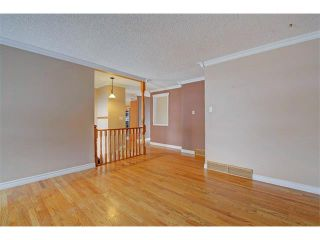 Photo 13: 6415 LONGMOOR Way SW in Calgary: Lakeview House for sale : MLS®# C4102401