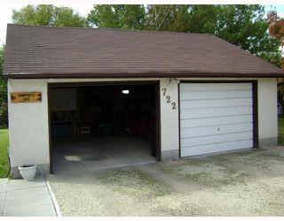 Photo 4: 722 FOXGROVE Avenue in WINNIPEG: Birdshill Area Residential for sale (North East Winnipeg)  : MLS®# 2907816