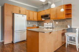 Photo 6: 405 2220 Sooke Rd in : Co Hatley Park Condo for sale (Colwood)  : MLS®# 872370