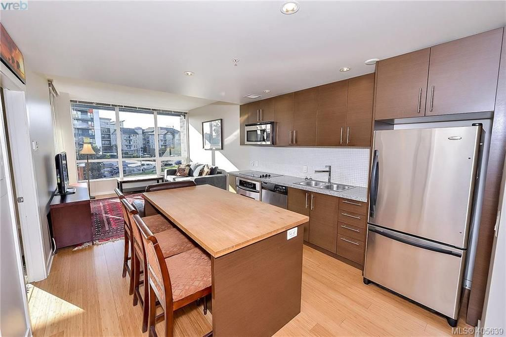 Main Photo: 405 391 Tyee Rd in VICTORIA: VW Victoria West Condo for sale (Victoria West)  : MLS®# 806043