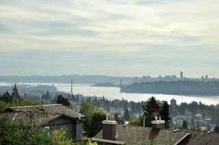 Photo 2: 2340 Orchard Lane in West Vancouver: Queens House for sale