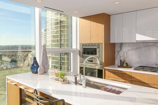 Photo 4: 1503 499 PACIFIC STREET in Vancouver: Yaletown Condo for sale (Vancouver West)  : MLS®# R2332998